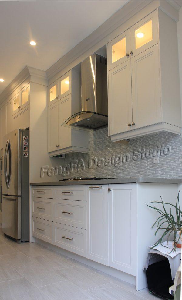 White cabinets Design