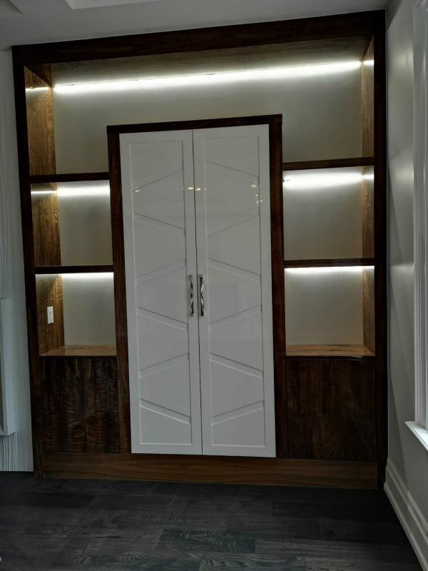 High gloss built-ins Design