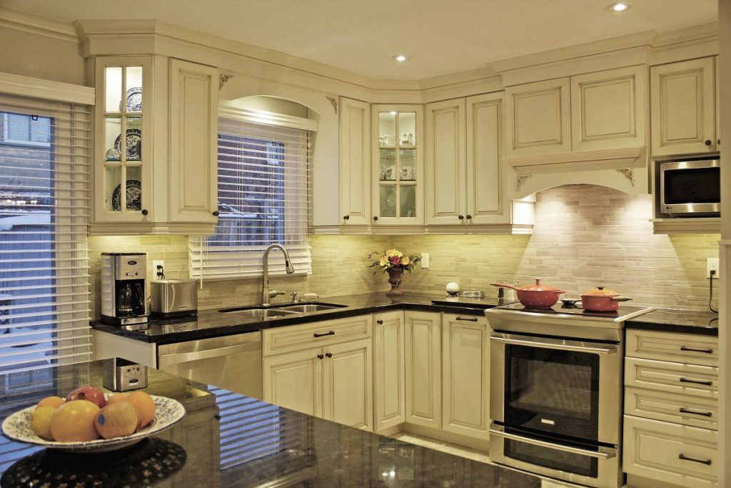 Traditional Style Kitchen With Glazed Doors