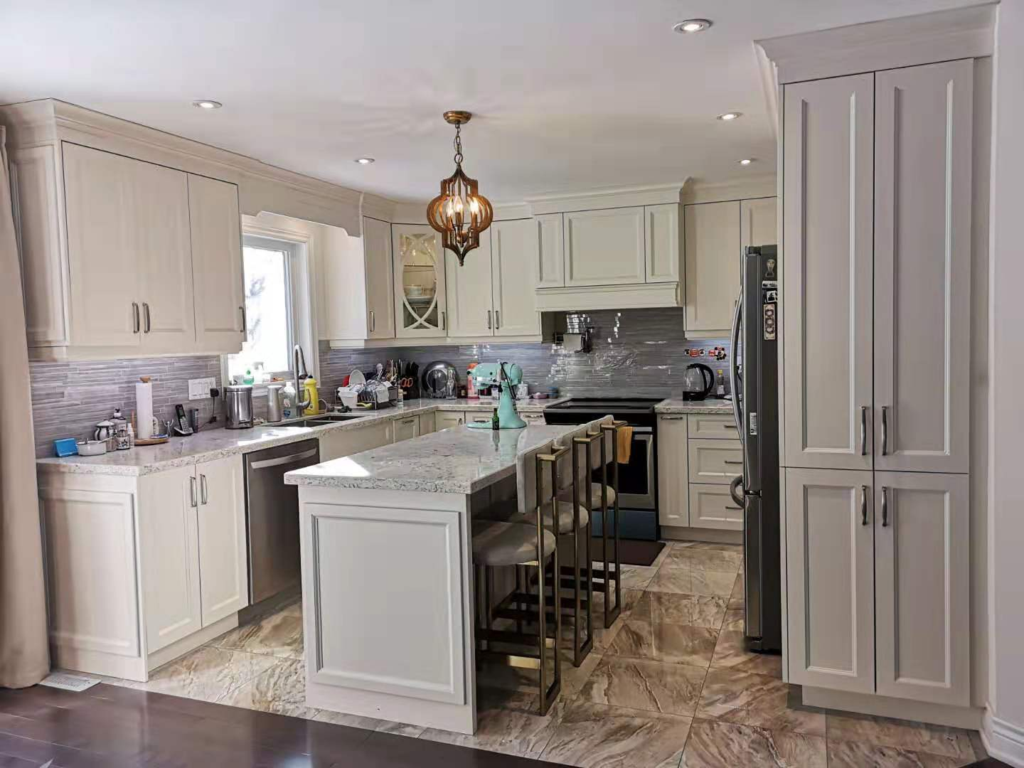Richmond Hill Transitional Kitchen Overview