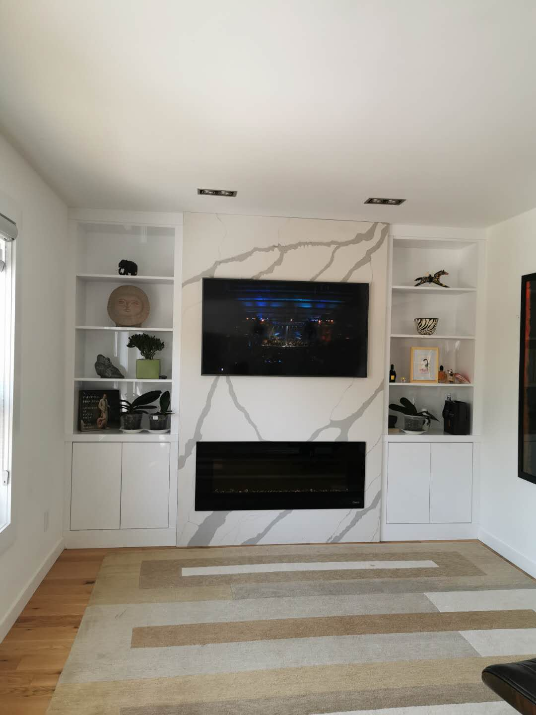 Contemporary design wall unit with quartz countertop in the middle