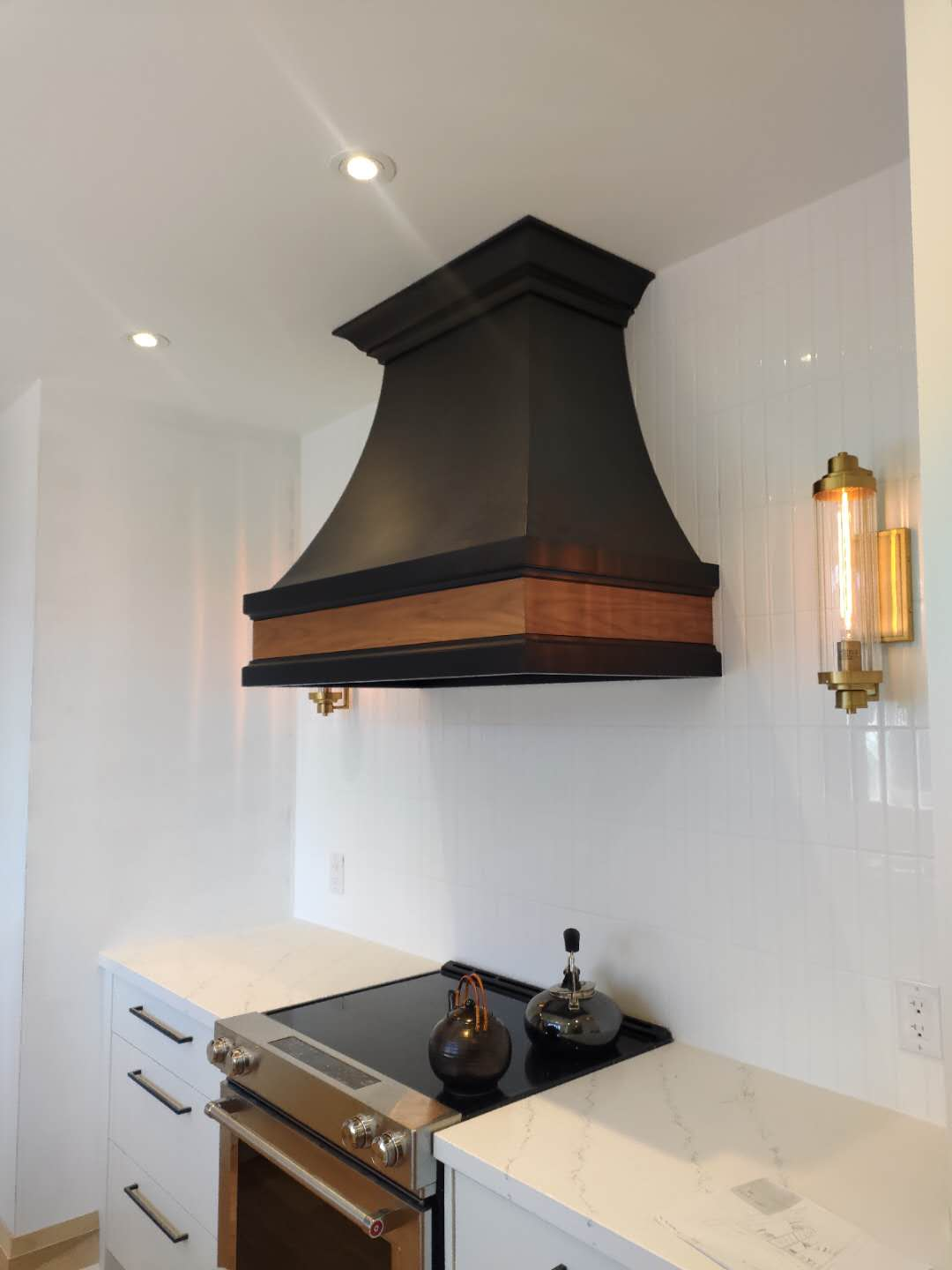 Special Designed Dark wooden kitchen ventilator